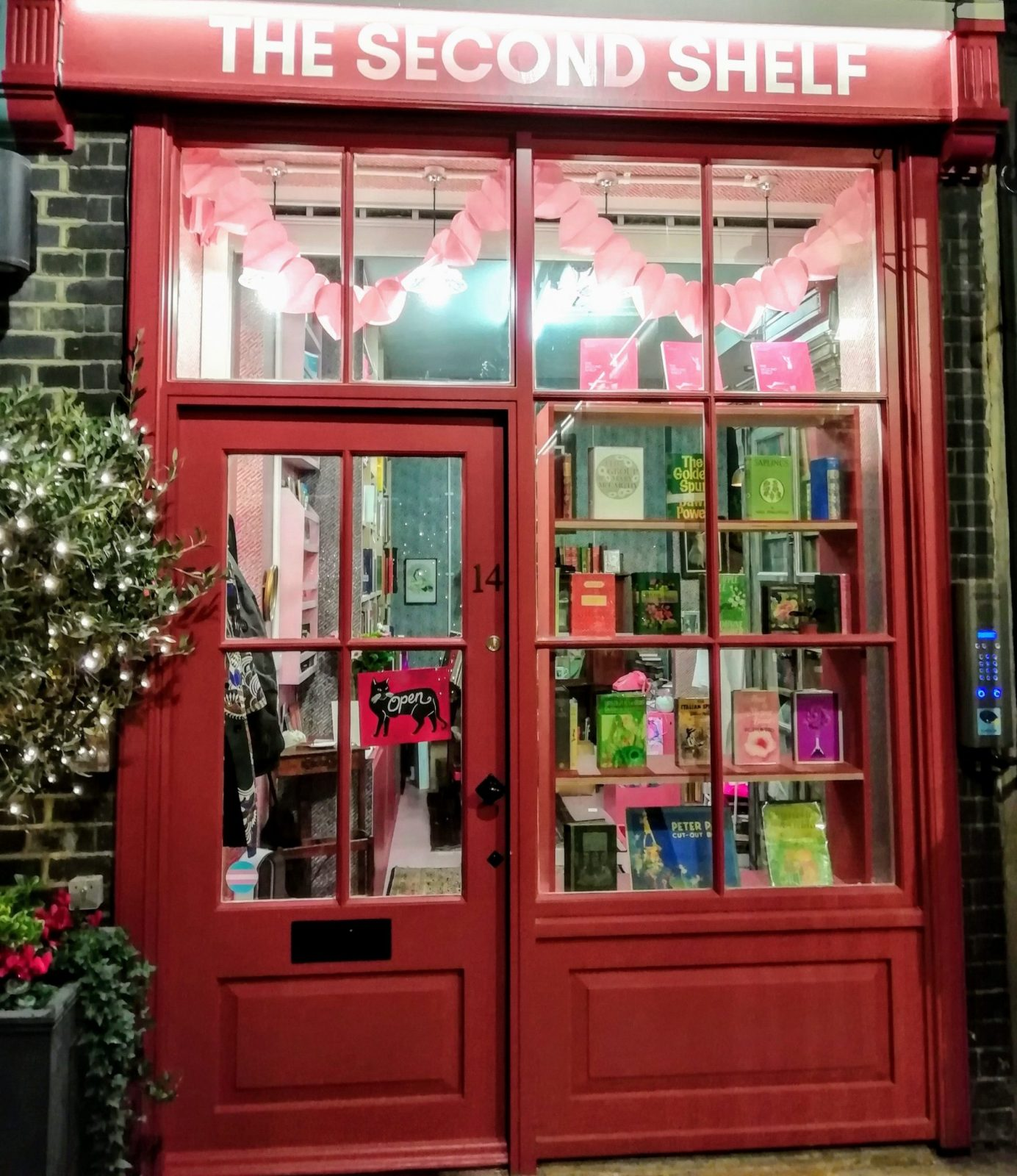 Best Cheap and Secondhand Bookshops in London 3