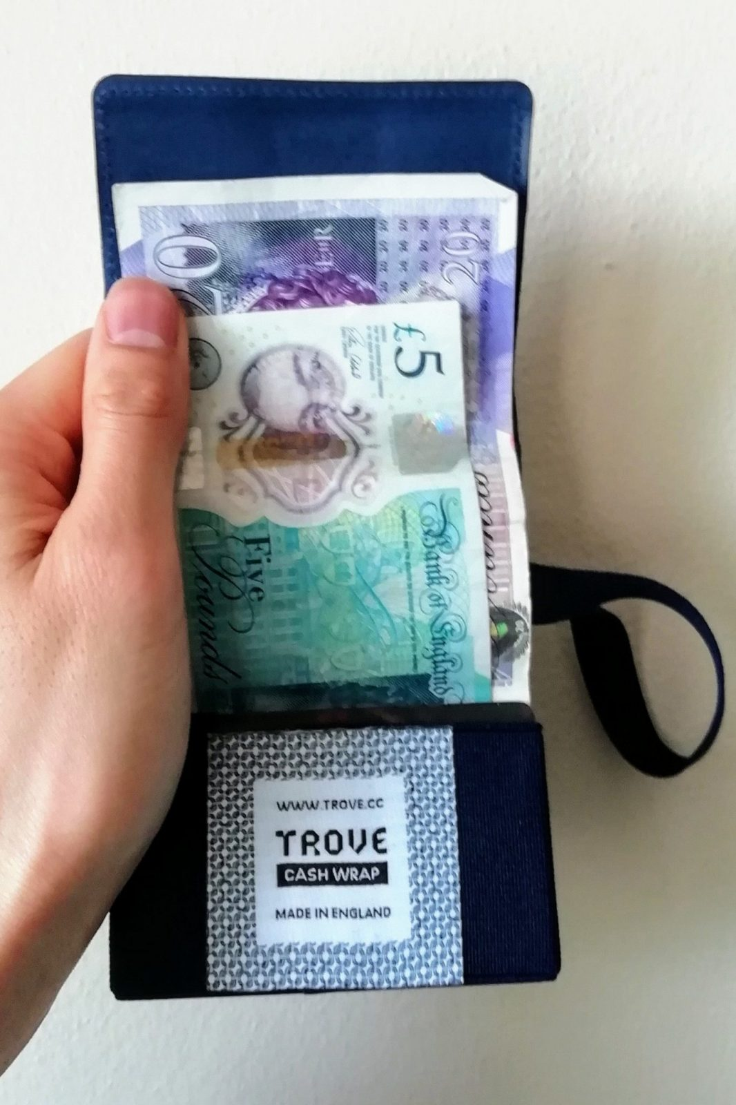 Trove Swift & Cash Wrap Wallet Review: The Perfect Travel Wallet? 7